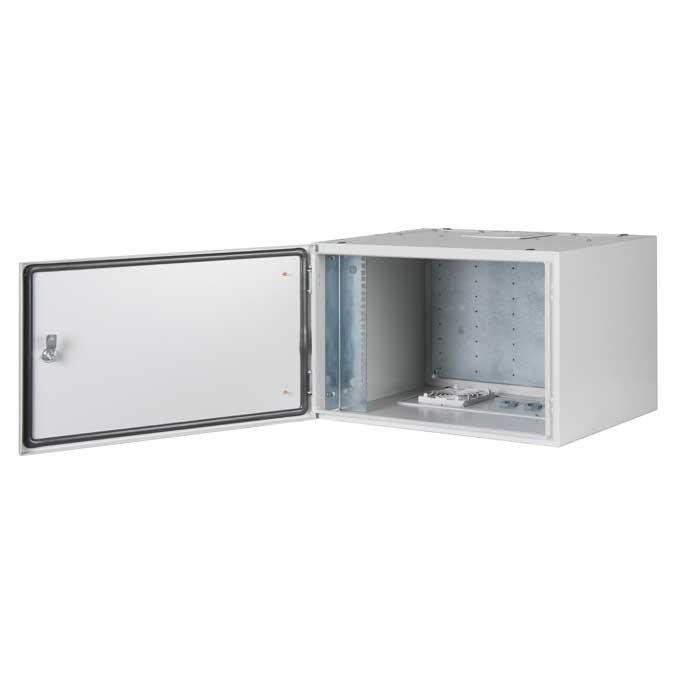 PROline-500I-Series-600x300-19-inch-Cabinets-Lande-open-door.jpg