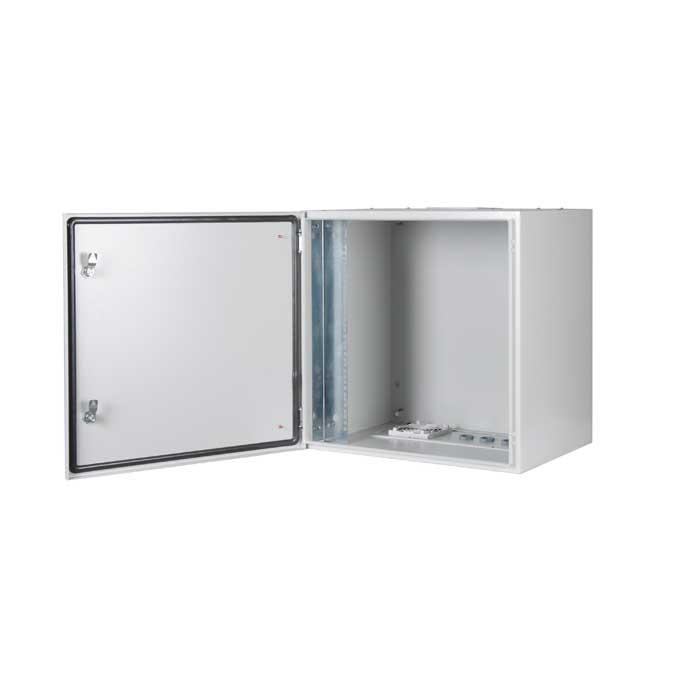 PROline-500I-Series-600x600-19-inch-Cabinets-Lande-open-door.jpg